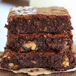 inas-outrageous-brownies-14-250