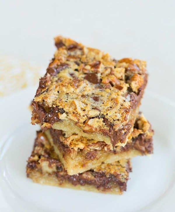 Chocolate Chip-Pecan Pie Bars - Perfectly portable Thanksgiving dessert! | browneydbaker.com