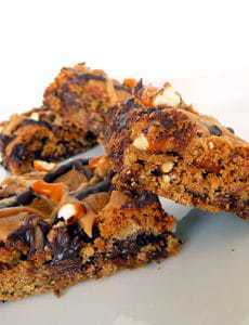chocolate-chip-pretzel-bars