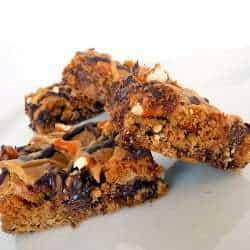 chocolate-chip-pretzel-bars