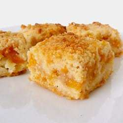 peach-crumb-bars-group-250