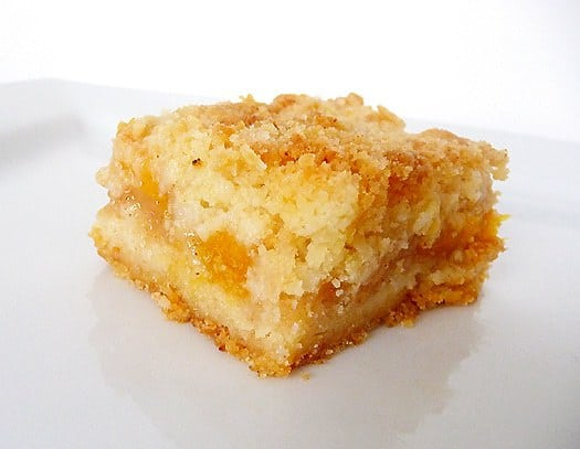 peach-crumb-bars