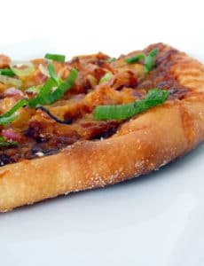 bbq-chicken-pizza-crust-250