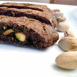 chocolate-pistachio-biscotti-main-250