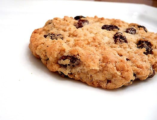 chewy-oatmeal-raisin-cookie