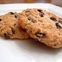 chewy-oatmeal-raisin-cookies-250