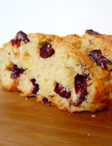 cranberry-white-chocolate-almond-biscotti-3-250