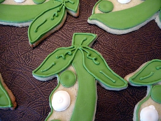 Pea in a Pod Cookies - Leaf Details