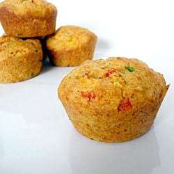 corn-pepper-muffins-250