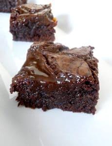 salted-caramel-brownies-250