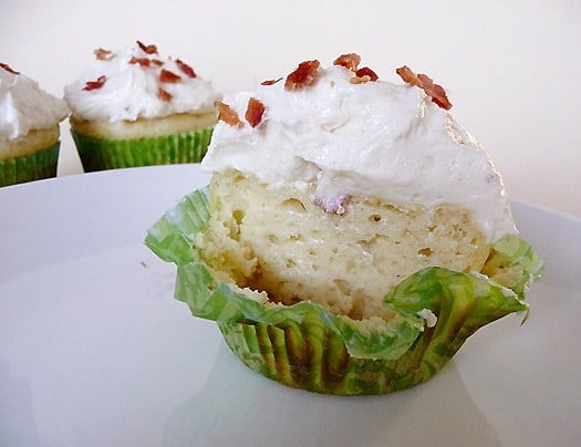Pancake Cupcakes with Maple-Bacon Buttercream Frosting