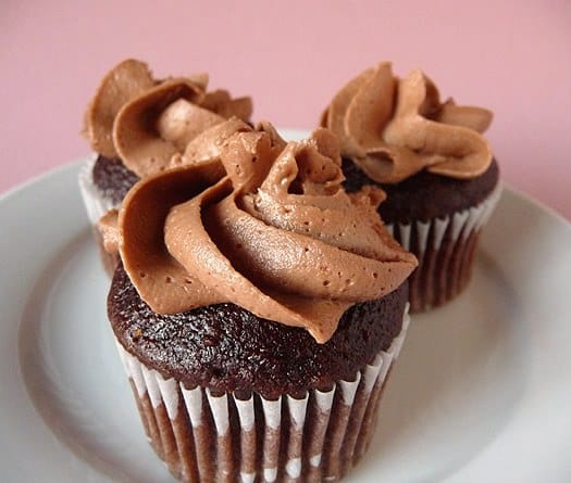 Chocolate Buttercream | Chocolate Cupcakes with Chocolate Frosting