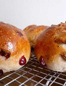 cranberry-walnut-rolls-1-250