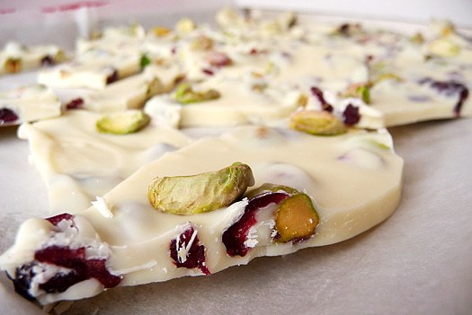 Pistachio & Cranberry White Chocolate Bark | Christmas Recipes