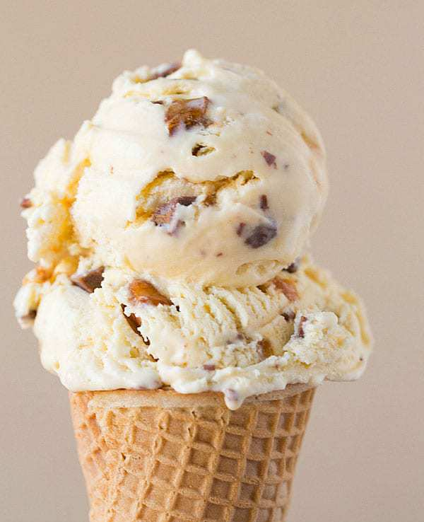 Malted Vanilla Ice Cream with Peanut Brittle and Milk Chocolate Chunks >> Top 10 Ice Cream Recipes | browneyedbaker.com