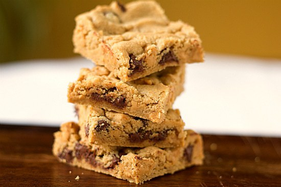 Peanut Butter Chocolate Chip Cookie Bars | Brown Eyed Baker