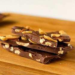 salted-caramel-cashew-bark-1-250