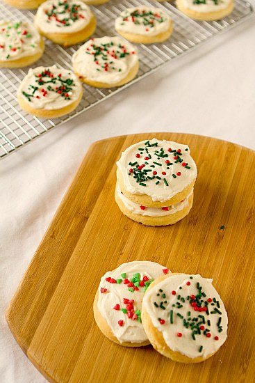 Lofthouse Style Frosted Sugar Cookies | Brown Eyed Baker