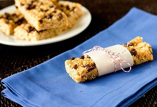 Chewy Chocolate Chip Granola Bars | Brown Eyed Baker