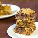salted-caramel-chocolate-chip-cookie-bars-1-250