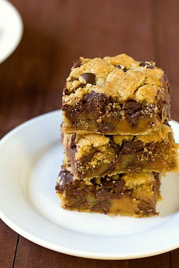 Salted Caramel Chocolate Chip Cookie Bars | Brown Eyed Baker