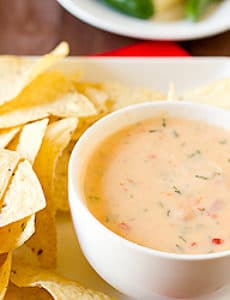chile-con-queso-1-250