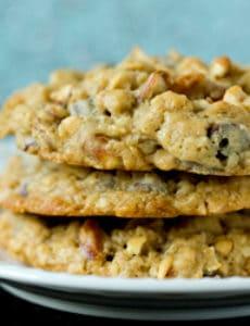 malted-chocolate-chip-peanut-pretzel-oatmeal-cookies-1-250