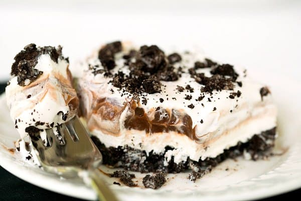 Oreo Whip Cream Pudding Dessert http://www.browneyedbaker.com/2013/06/24/no-bake-oreo-layer-dessert/