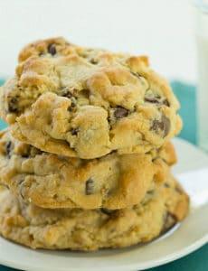 Levain Bakery Chocolate Chip Cookies