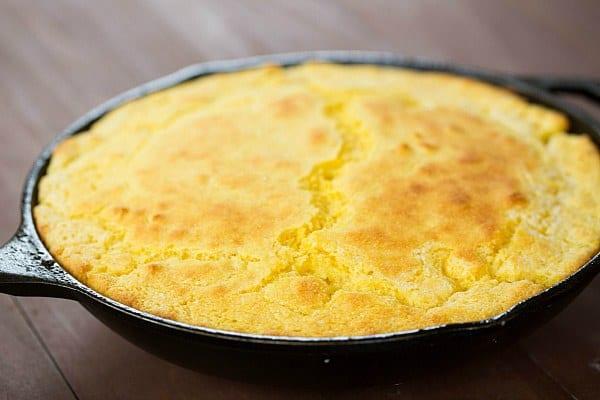 Skillet Cornbread Recipe by @browneyedbaker :: www.browneyedbaker.com