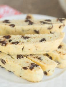 chocolate-chip-biscotti-2-250