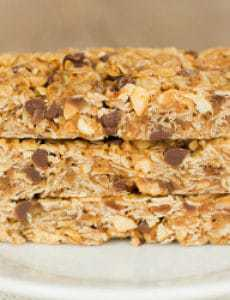 peanut-butter-chocolate-chip-granola-bars-22-250