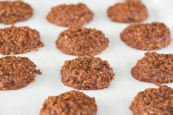 No Bake Oatmeal, Peanut Butter & Chocolate Cookies | browneyedbaker.com