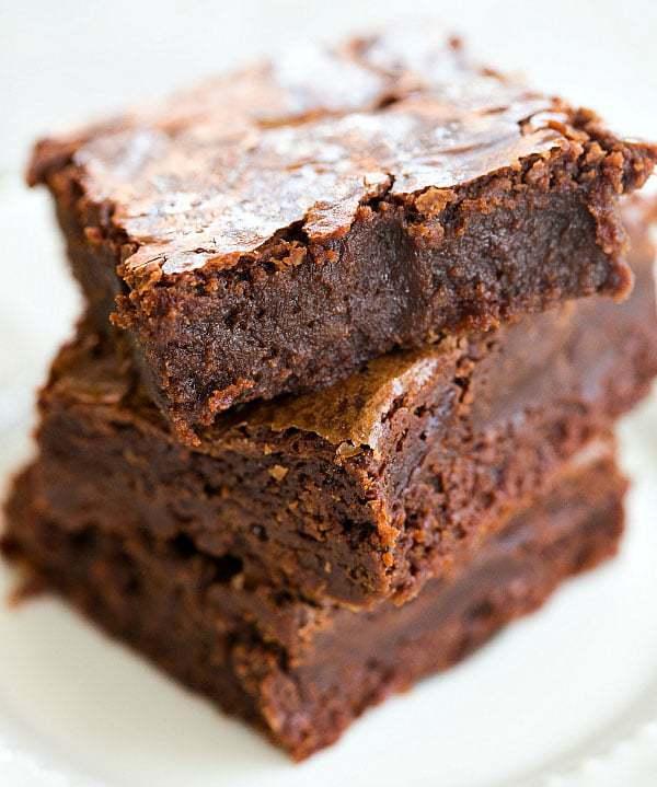 Guinness Brownies - An easy dessert for your St. Patrick's Day festivities! | browneyedbaker.com