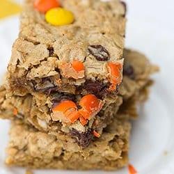 flourless-peanut-butter-chocolate-chip-oat-bars-250