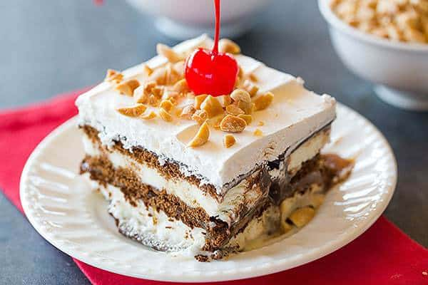 Ice Cream Sandwich Cake Dessert - No-bake and super easy to make! | browneyedbaker.com