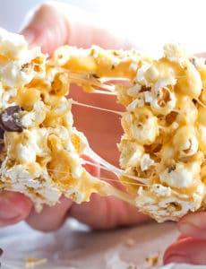 peanut-butter-marshmallow-popcorn-bars-34-550