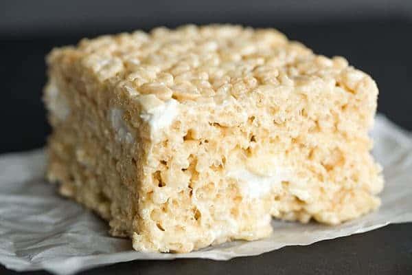 Marshmallow Krispie Cake Recipe