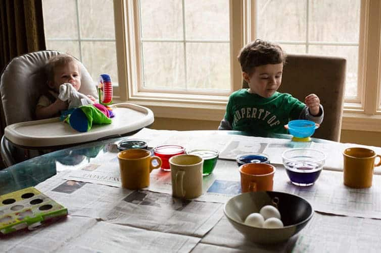 Easter 2017: Coloring Easter eggs with Dominic and Joseph