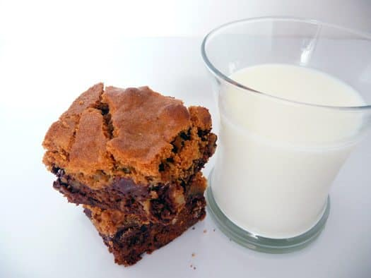 chipster-topped-brownies-milk