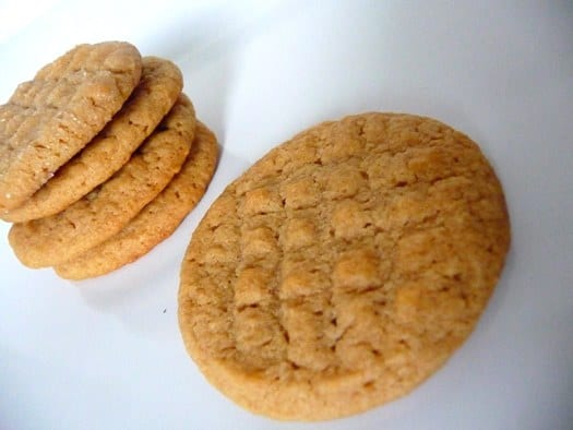 peanut-butter-cookies-stack2