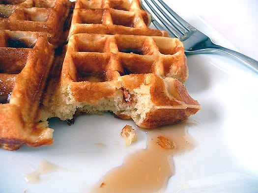 brown-sugar-bacon-waffles-bite2