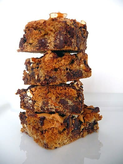 chocolate-chip-pretzel-bars-stack