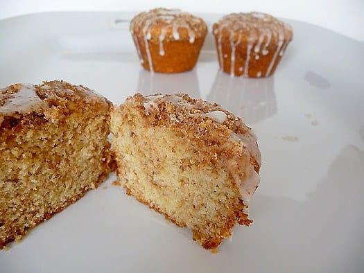 coffeecake-muffins-cut