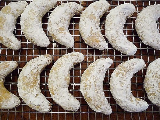 nut-crescents-rack