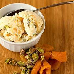Dried Apricot-Pistachio Ice Cream