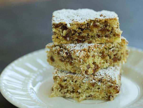Top 10 Best Bar Recipes >> Zia Lena Date Bar Cookies | browneyedbaker.com