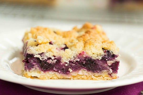 Blueberry Crumb Bars by @browneyedbaker :: www.browneyedbaker.com