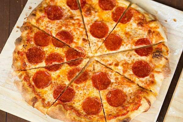 Thin Crust Pizza by @browneyedbaker :: www.browneyedbaker.com