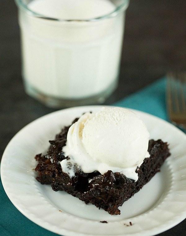 Hot Fudge Pudding Cake Recipe by @browneyedbaker :: www.browneyedbaker.com